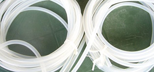 Flexible hose assemblies- accessories fo rmedical gases